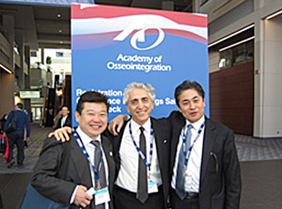 AO(Academy of Osseointegration)学会にて発表を行いました。
