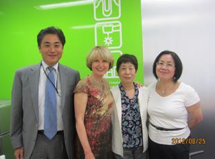 USCジャパンプログラムのコースに参加し、お手伝いをいたしました。